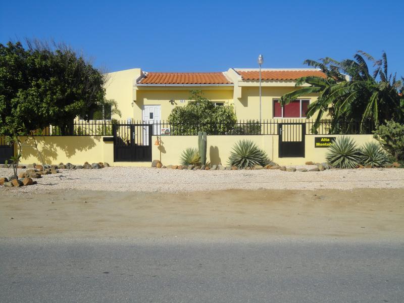 Alta Montana apartments Aruba - Image 1 - Noord - rentals