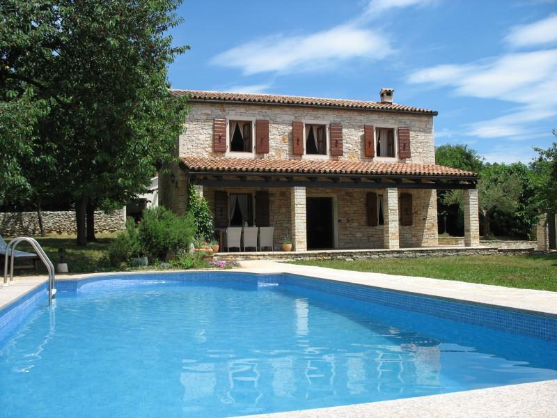 Stone villa with pool  tranquil location in Istria - Image 1 - Porec - rentals