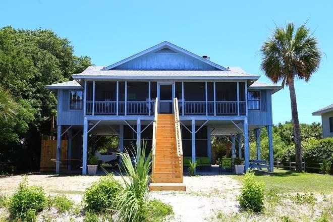 """3504 Palmetto Blvd - """"Palmetto Breeze"""" - Image 1 - Edisto Beach - rentals"""