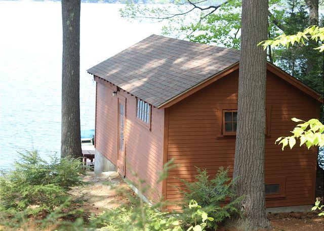 Pet-Friendly Waterfront Home on Lake Waukewan (REU96W) - Image 1 - New Hampton - rentals