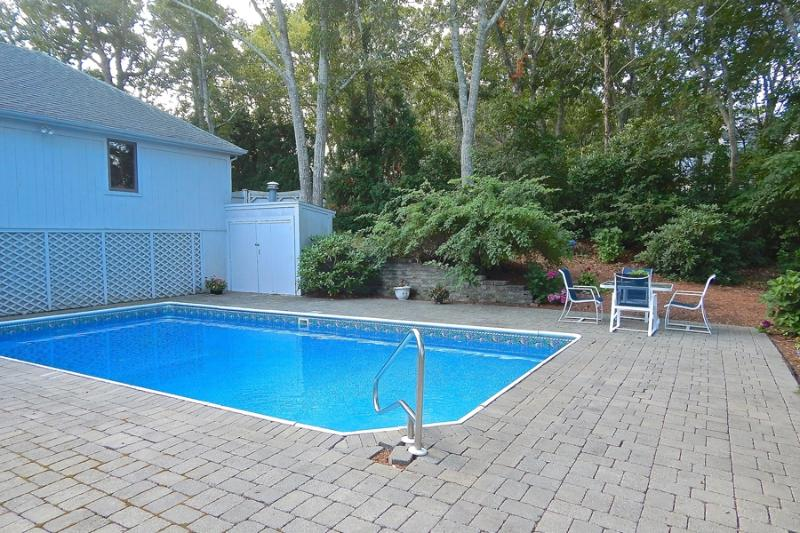 Privacy a few minutes from downtown Hyannis - Image 1 - Hyannis Port - rentals