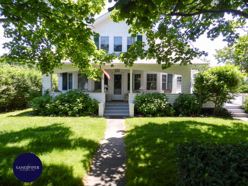 #65  easy access to all the wonders of downtown Edgartown - Image 1 - Edgartown - rentals