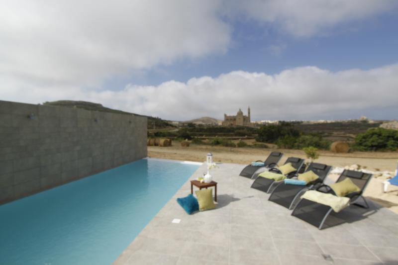 Pool and Deck area - Rustic Style 4-bedroom Villa on the island of Gozo - Ghasri - rentals