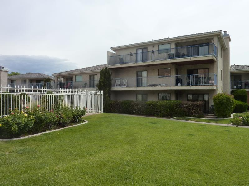sports village area has lots of things to enjoy.. pools and courts. - One Bedroom with View - Saint George - rentals