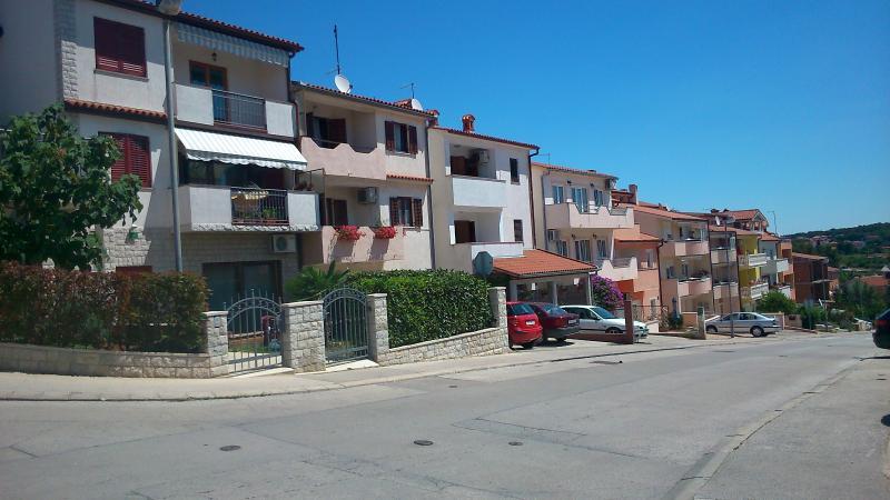 A sunny street. - Apartment Marietta - Pula - rentals