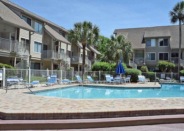 Courtside 115 - Forest Beach 1st Floor Flat - Image 1 - Hilton Head - rentals