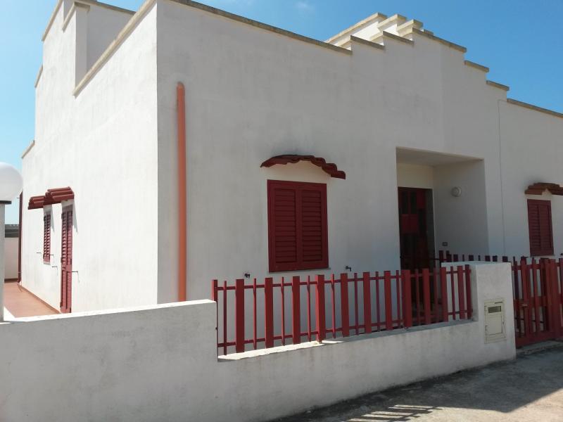 Front view - Nice house deep in the green mediterranean scrub - Santa Maria di Leuca - rentals
