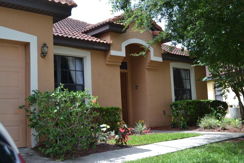 Valerie's at Villa Sol - Direct route into Disney & Universal Close By. - Kissimmee - rentals