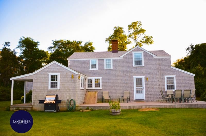 #188 Comfortably decorated cottage w/ sun porch & waterview - Image 1 - Edgartown - rentals