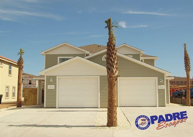 Duplex close to the Beach! Comes w/a Saltwater Pool, Free Wifi & much more! - Image 1 - Corpus Christi - rentals
