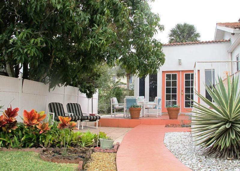 Welcome to Esperia - Esperia - Mediterranean Style Guest Apartment - Tarpon Springs - rentals