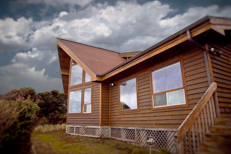 Ocean Front Home on Miles of Sandy Beach! - Image 1 - Yachats - rentals