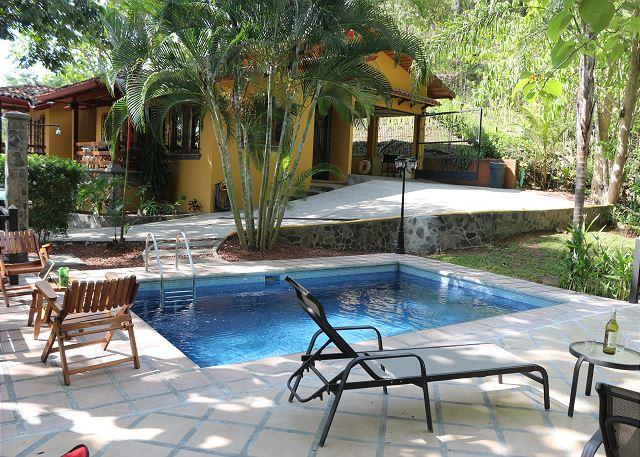 Outside pool area with grill - Quiet country home with pool 5 minutes to Hermosa Beach, 15 minutes to Jaco - Playa Hermosa - rentals