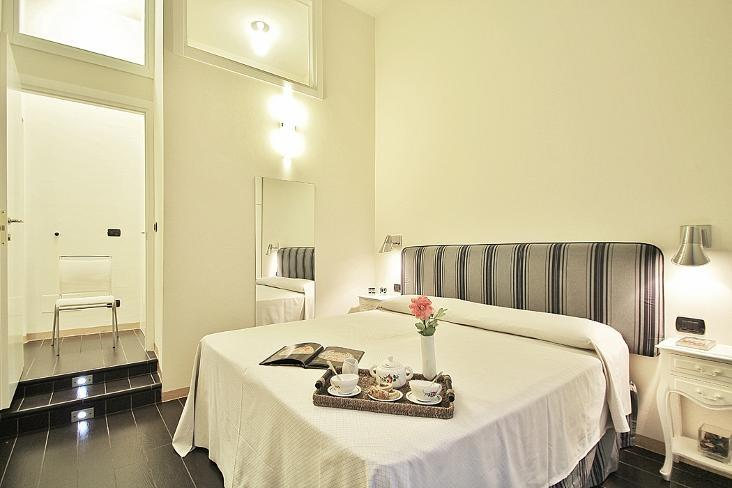 Elegant and Modern Apartment Rentals in Florence - Image 1 - Italy - rentals