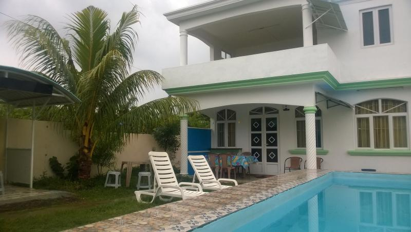 house  with private pool for 10 persons. - Image 1 - Grand Baie - rentals