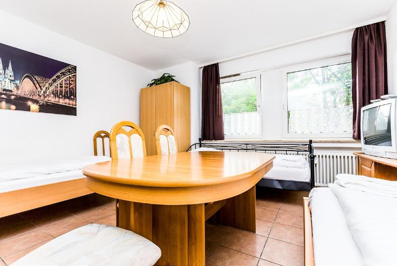 Nice apartment for 5 in Cologne Höhenberg - 79 Cozy apartment with 5 beds in Cologne Höhenberg - Cologne - rentals