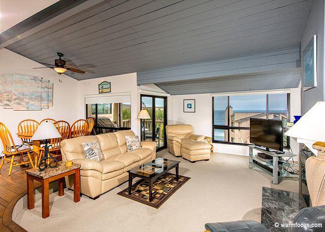 2 Bedroom, 2 Bathroom Vacation Rental in Solana Beach - (SUR51) - Image 1 - Solana Beach - rentals