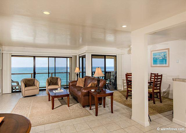 Light and bright living area with beautiful ocean view - 2 Bedroom, 2 Bathroom Vacation Rental in Solana Beach - (SUR94) - Solana Beach - rentals
