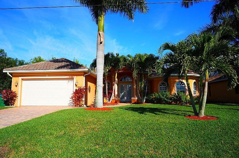 Chuka Villa - 5b/2ba SW Cape Coral Home, electric heated pool, Boat Dock with 7000 lb Lift, - Image 1 - Cape Coral - rentals