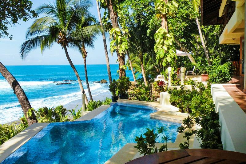 Casa Oceano, Sleeps 12 - Image 1 - Tambor - rentals