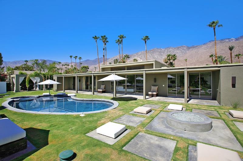 Canyon Green, Sleeps 10 - Image 1 - Palm Springs - rentals