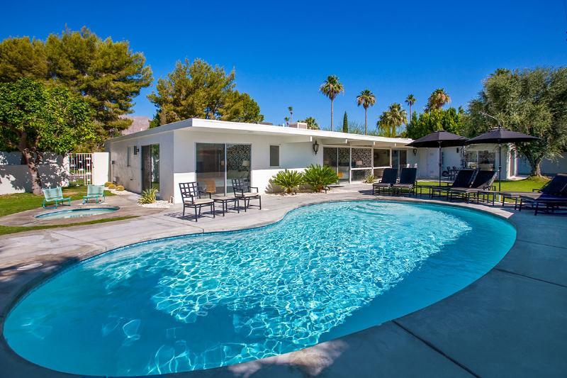 Villa Moda, Sleeps 10 - Image 1 - Palm Springs - rentals