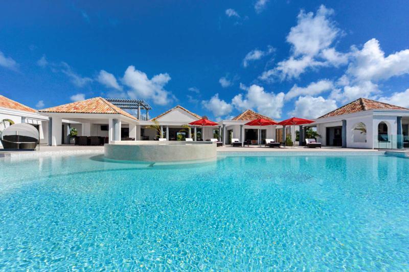Just in Paradise, Sleeps 6 - Image 1 - Terres Basses - rentals