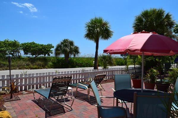 Beach View Suite Patio - Beach View Suite / Beach Tree Suite - Siesta Key - rentals
