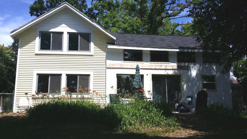Front View Facing lake - Cozy Cottage near Croton Dam - Newaygo - rentals