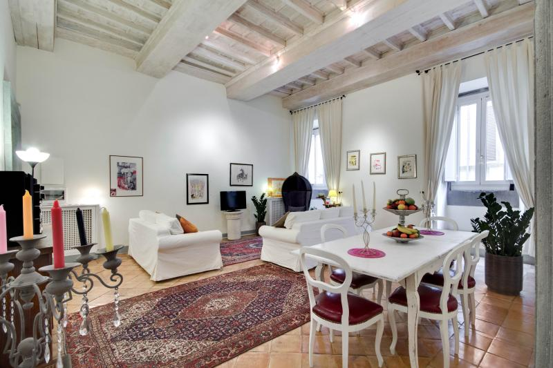 Dining and living area  - STUNNING NAVONA - Rome - rentals