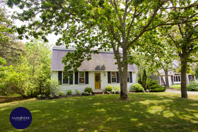 #610 A popular property with pool near South Beach - Image 1 - Edgartown - rentals