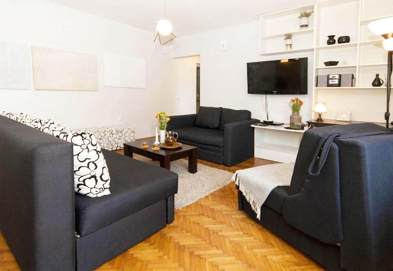 Apartment HIP & SPACIOUS near Skadarlija! 6 people - Image 1 - Belgrade - rentals