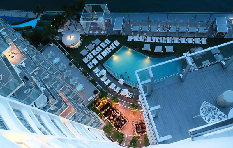 Looking down from the Balcony - Deluxe  Luxury Bay view balcony Condos - Miami Beach - rentals