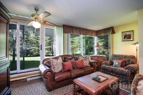 Enjoy the convenience location of Simba Run with easy access to walking path and free shuttle in the winter. - SUMMER DISCOUNTS~BOOK NOW! Great Vail Location~On bus route to Vail Village~Hot Tub and Indoor Pool! - Vail - rentals