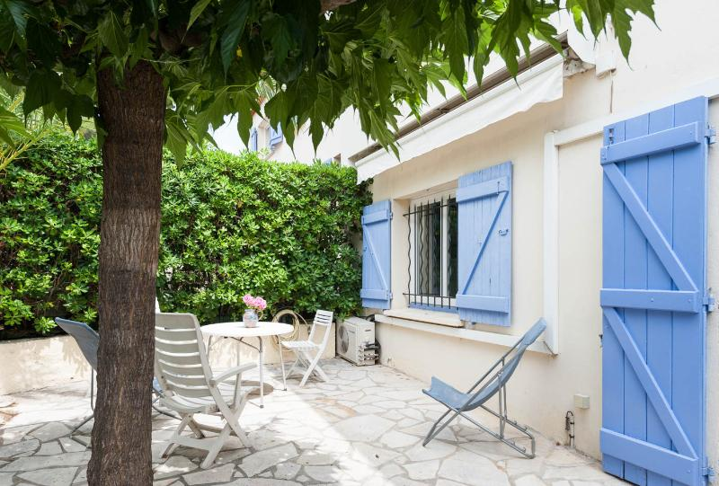 Outdoor private terrace garden - 2 apartments, Sleeps 10,  WiFi, AC, 2 Parking - Cannes - rentals