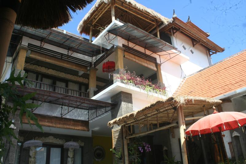 LARGE 3 Bedroom Villa with 3 levels  of Living and Entertainment Spaces - LARGE. Family Villa.POOLFENCE YES or NO - Sanur - rentals