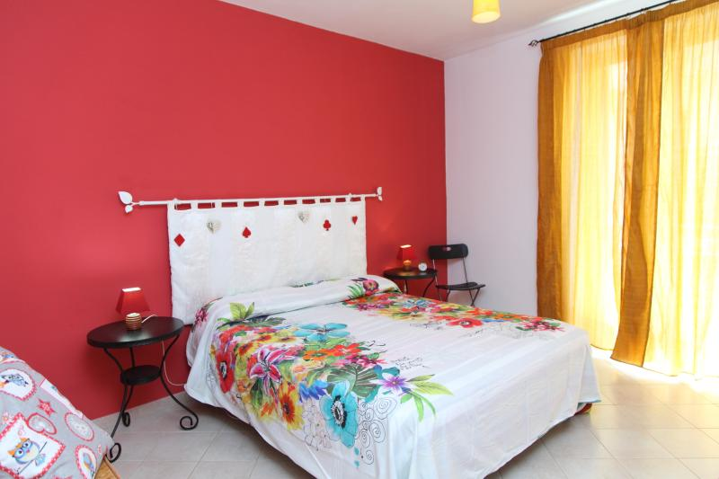 Sunny self catering near the main beach - Image 1 - Cefalu - rentals