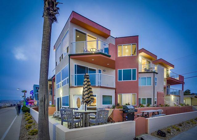 704 Monterey Court Exterior - Fabulous oceanfront penthouse on the boardwalk! - Pacific Beach - rentals