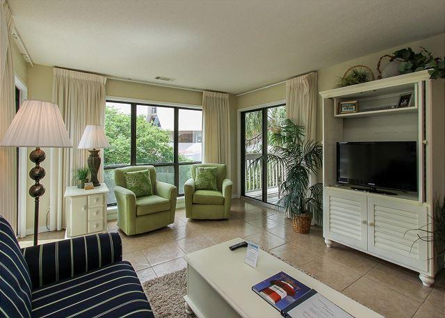 Living Area - 15-16 Moorings - Beautiful 2 Bedroom Palmetto Dunes Villa! Aug weeks avail. - Hilton Head - rentals