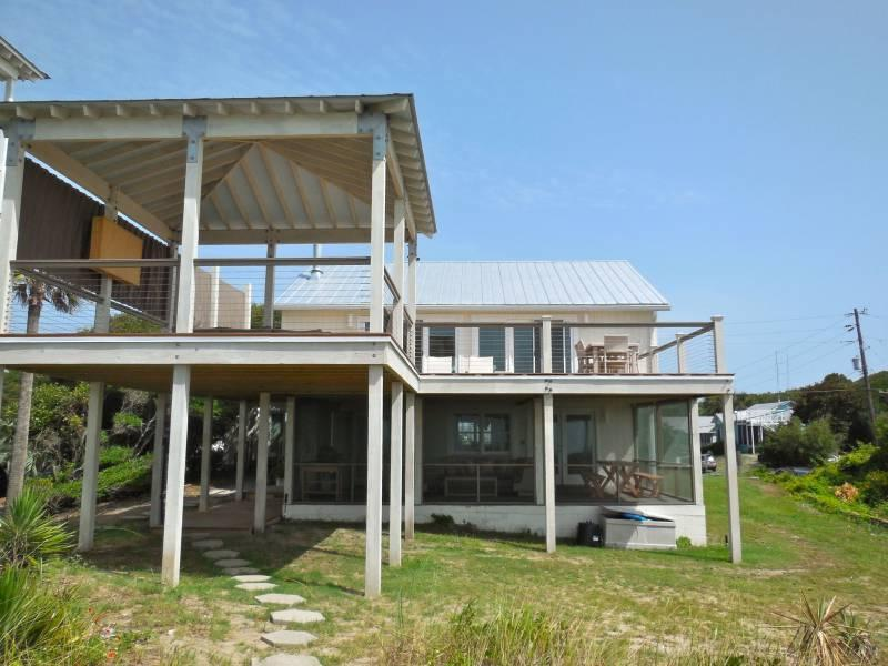 Exterior - Beach Music - Folly Beach, SC - 4 Beds BATHS: 2 Full - Folly Beach - rentals