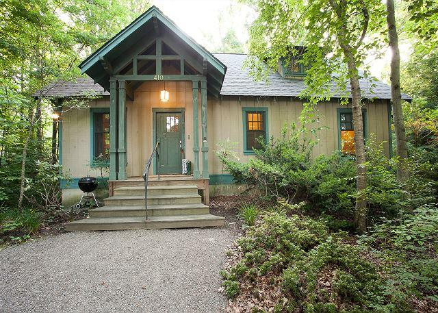 Rhododendron Cottage - Image 1 - Black Mountain - rentals