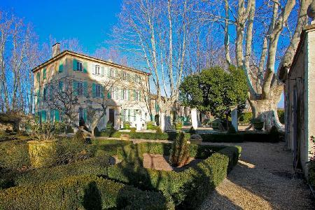 Magnificent Historic Country Estate Bastide Beatrice with Private Pool, Tennis Court & Gardens - Image 1 - Saint-Remy-de-Provence - rentals