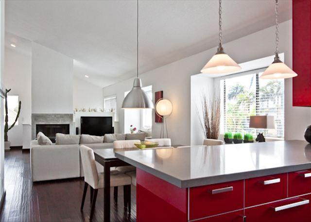 Spacious Kitchen and Living Area - Spacious and sweet apt off Abbott Kinney in Venice Beach - Venice Beach - rentals