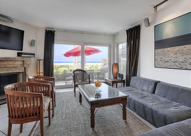 Steps from the ocean and right on the sand in the heart of Venice. - Image 1 - Venice Beach - rentals