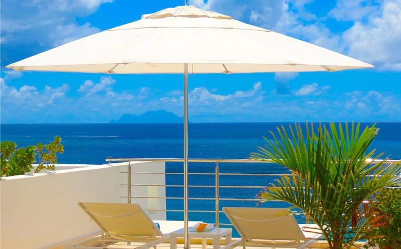 Aqualina 402 Penthouse... Simpson Bay beach, St Maarten 800 480 8555 - AQUALINA 402 PENTHOUSE... Wow! Fabulous Beachfront condo on Simpson Bay Beach w/ rooftop terrace! - Simpson Bay - rentals