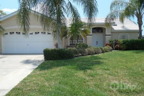 Front of Home - Cape Coral Canal Beauty - Cape Coral - rentals