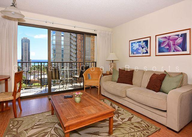 Secure one-bedroom with full kitchen, parking & ocean/sunset views! - Image 1 - Waikiki - rentals