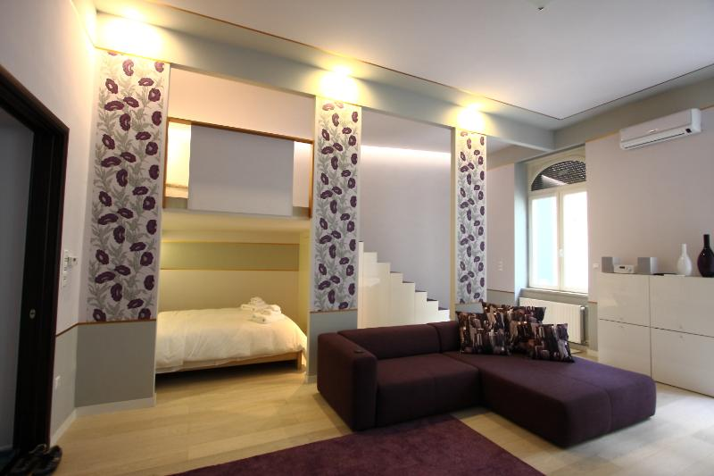 Living room - Deak Fashion Suite, balcony and sauna,WiFi, A.C. - Budapest - rentals