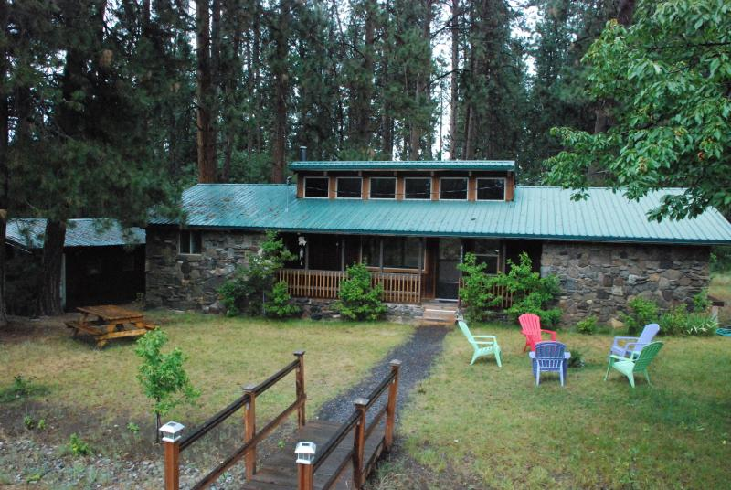 The Rockhouse - Tecumseh Spring Rentals -The RockHouse - Crater Lake - rentals