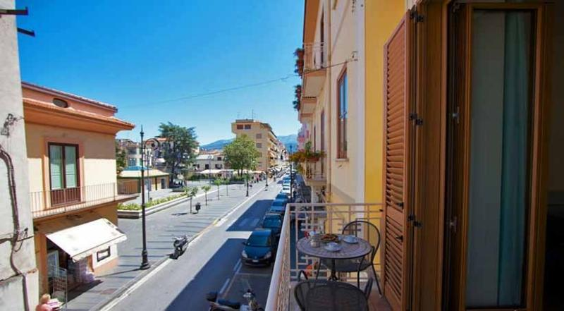 Del Corso balcony on the main road - DEL CORSO Sorrento Centre - Sorrento - rentals